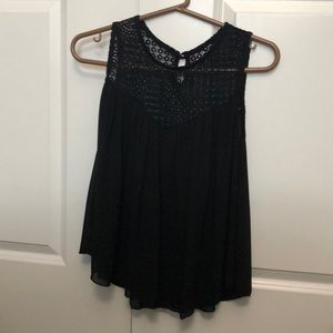 Black shirt cute for going out in the summer !